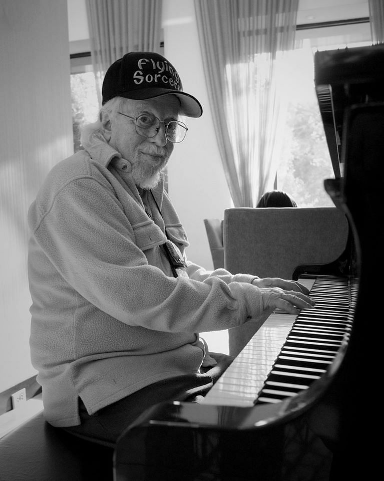 Howie Schwarzman playing piano