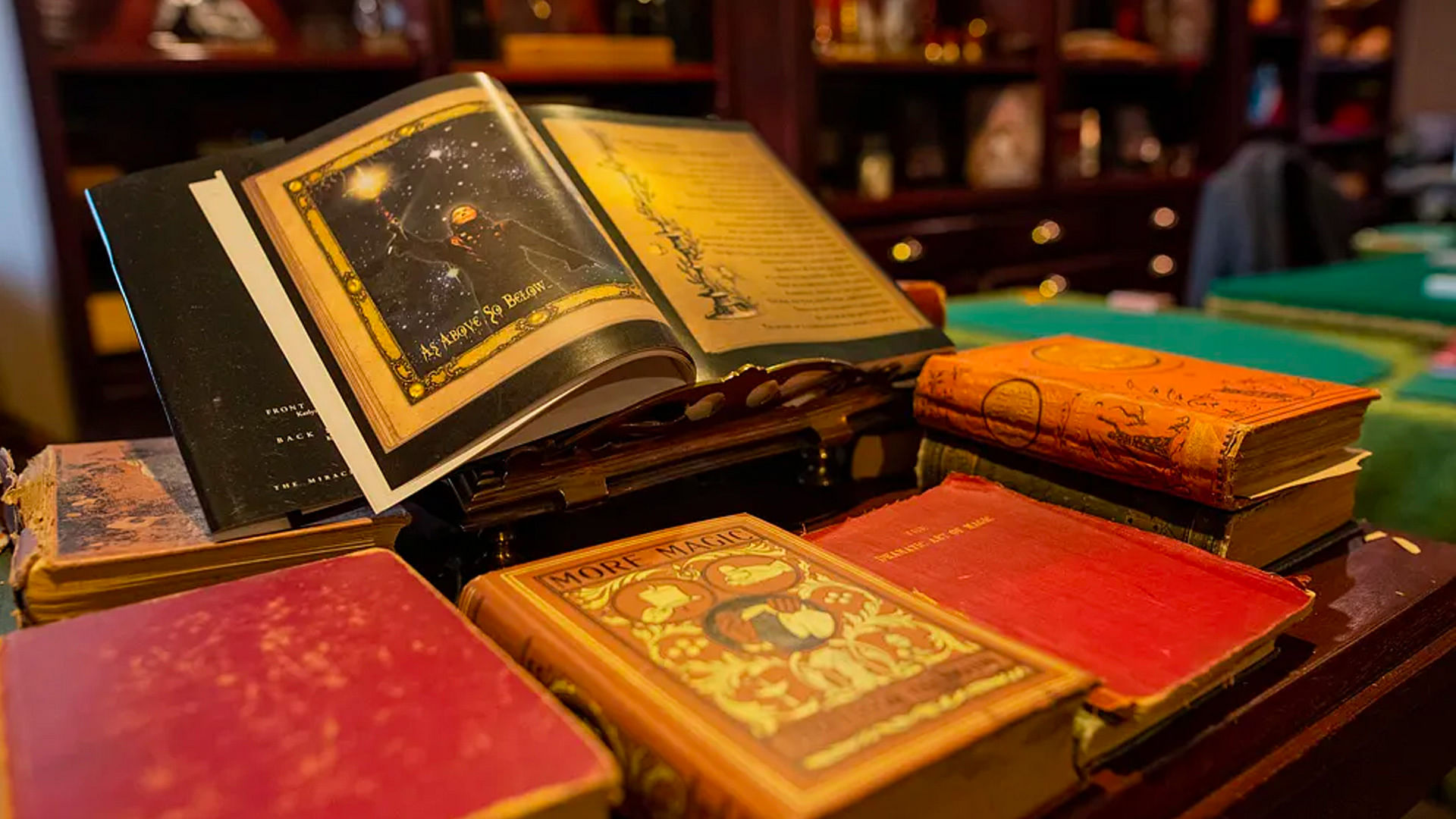What are popular sleight of hand magic books?