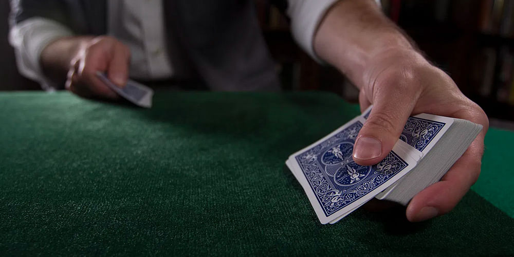 What are the Best Playing Cards for Magic Tricks?