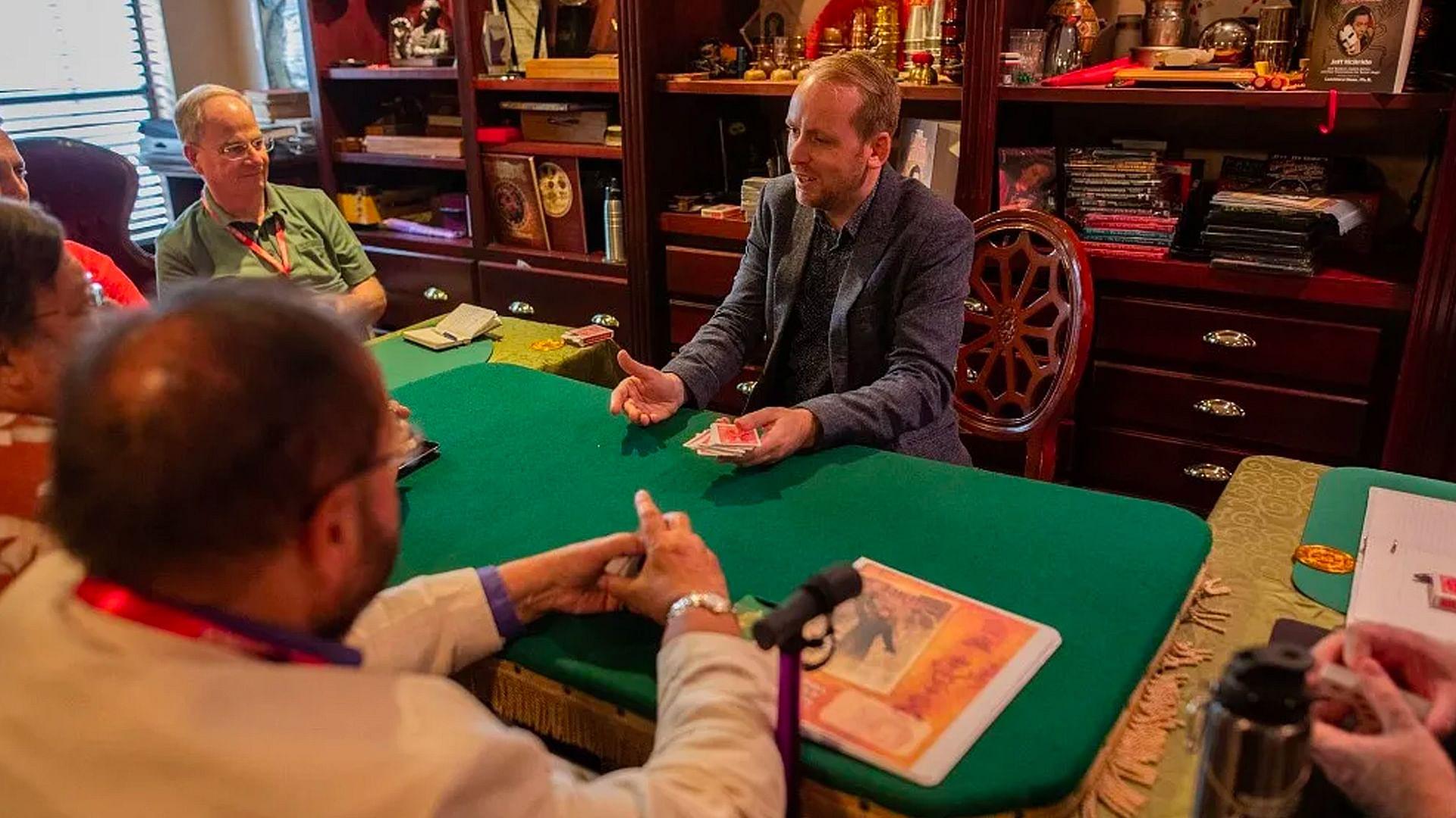 Where Can I Learn Magic Tricks?