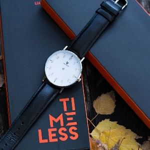 Timeless Deluxe a mentalism trick using a watch to guess a selected time