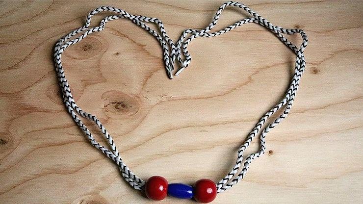 Grandma's Necklace - magic