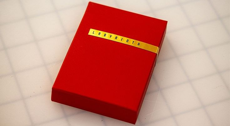 Red Labyrinth Playing Cards - magic