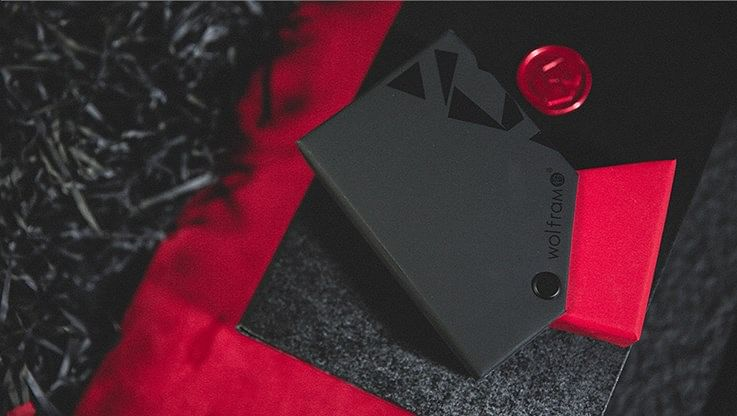 Wolfram V2 Rouge et Noir Playing Cards Collector's Set