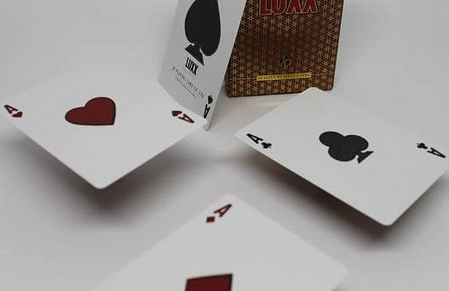 LUXX Elliptica Playing Cards (Red)