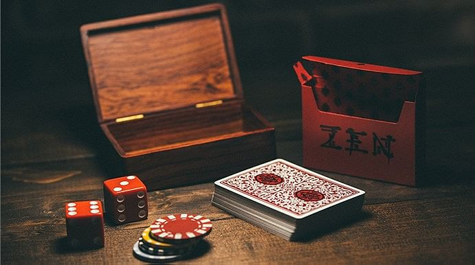 Royal Zen Playing Cards (Red) - magic