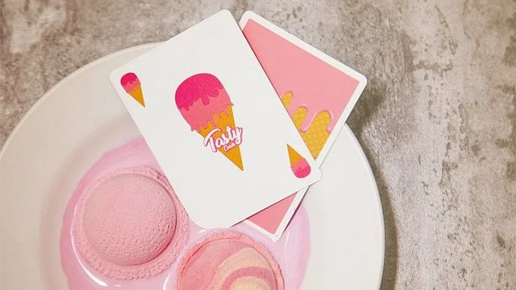 Tasty Playing Cards (Strawberry Flavor)