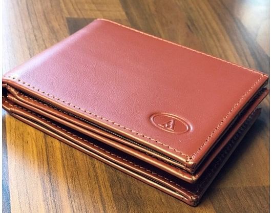 The Infinity Wallet Kensington Edition