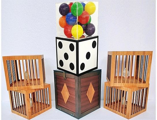 Transformation of Dice to Crystal Cube then to 4 Cages - magic