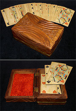 Vintage-Looking Card Case - magic