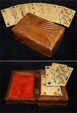 Vintage-Looking Card Case - magic