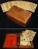 Vintage-Looking Card Case Accessory